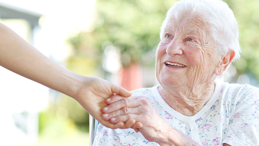 personnes âgées ont-elles la peau froissée